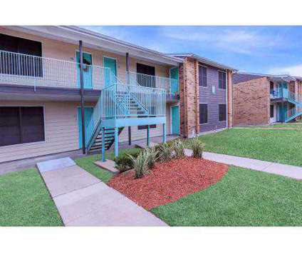 2 Beds - The Estates at 3720 Brookside Drive in Corpus Christi TX is a Apartment