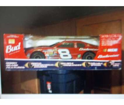 remote/control race cars is a Sports Memorabilias for Sale in Rosamond CA
