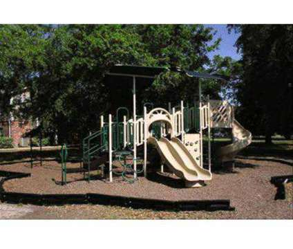 2 Beds - Brookstone Park at 5050 28th St in Gulfport MS is a Apartment