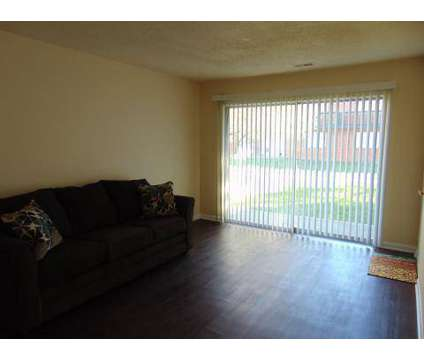 2 Beds - Waldo Heights at 8101 Campbell St in Kansas City MO is a Apartment