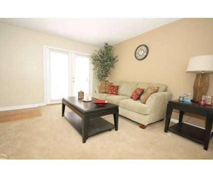 3 Beds - Arbor Ridge at 150 Chateau Terrace in Athens GA is a Apartment