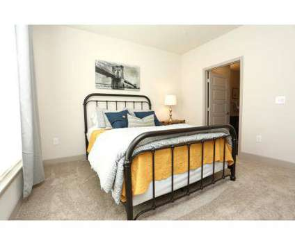 2 Beds - The Breakwater at 411 E Spring St in New Albany IN is a Apartment