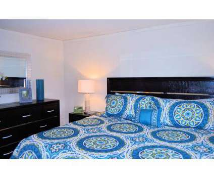 2 Beds - Avalon Townhomes at 2109 Newton Rd in Hampton VA is a Apartment