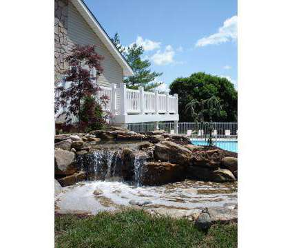 3 Beds - Forest Woods Apartments at 101 Forest Parkway in Saint Louis MO is a Apartment