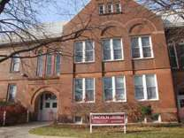 2 Beds - Lincoln School Apts