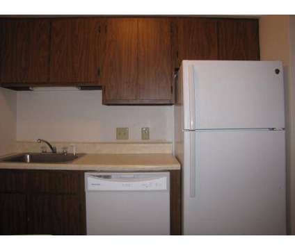 1 Bed - Beacon Place Apartments at 426 Beacon St in Toledo OH is a Apartment