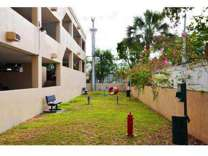 2 Beds - Country Club Towers