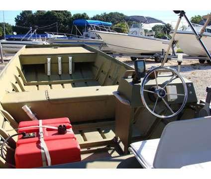 16' Lowe Tunnel John 1992 is a 16 foot 1992 Lowe Boat in Gibsonton FL