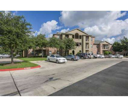 3 Beds - Villas at Coronado at 9111 Lakes At 610 Dr in Houston TX is a Apartment