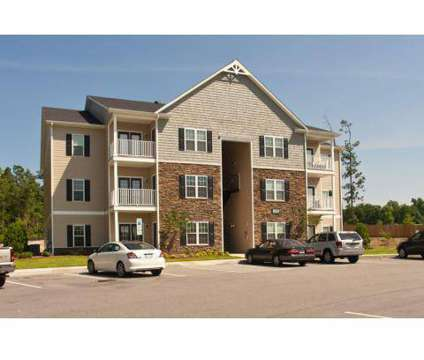 3 Beds - Cliffs at Waterford at 859 Cliff Cir in Spring Lake NC is a Apartment