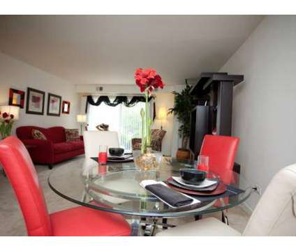 2 Beds - Hinsdale Lake Terrace at 16w450 Honeysuckle Rose Ln in Darien IL is a Apartment