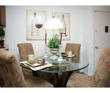 3 Beds - Hinsdale Lake Terrace at 16w450 Honeysuckle Rose Ln in Darien IL is a Apartment