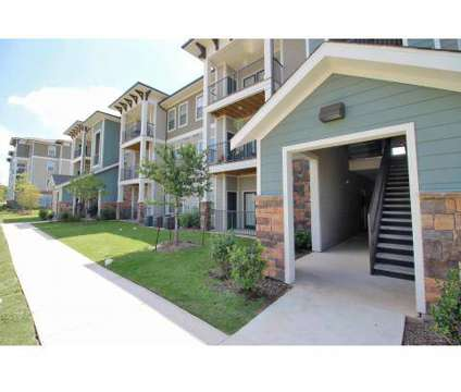 2 Beds - Overlook Exchange at 6455 Dezavala Rd in San Antonio TX is a Apartment
