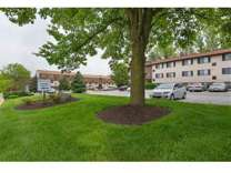 2 Beds - Crescent Pointe Apartment Homes