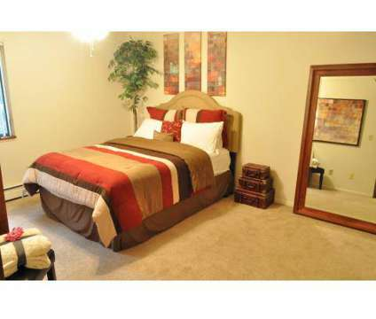 Studio - Lakeside Apartments & Townhomes at 1103 East Michigan Avenue Suite 13 in Battle Creek MI is a Apartment