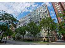 2 Beds - 2933 N Sheridan Apartments