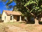 407 N 5th Sayre, OK