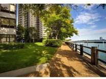 2 Beds - Riverfront Towers