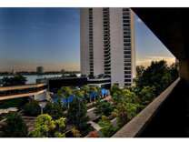 3 Beds - Riverfront Towers