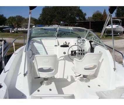 22' Proline Walkaround 1999 is a 22 foot 1999 Boat in Gibsonton FL