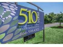 Studio - 510 Main Apartments