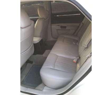 2006 Chrysler 300 C (Hemi V-8) - $7000 (Hendersonville, TN) is a 2006 Chrysler 300c Sedan in Hendersonville TN