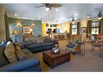 1 Bed - Evergreen Apartments & Townhomes