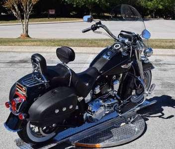 2011 Harley-Davidson FLST