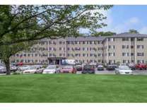 2 Beds - Lakeview Apartments