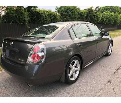 2005 Nissan Altima 3.5 SE is a 2005 Nissan Altima 3.5 SE Sedan in Miami FL