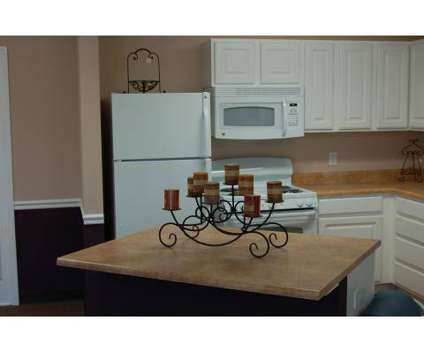2 Beds - Deerfield Commons at 1725 Windmere Ct in Lafayette IN is a Apartment
