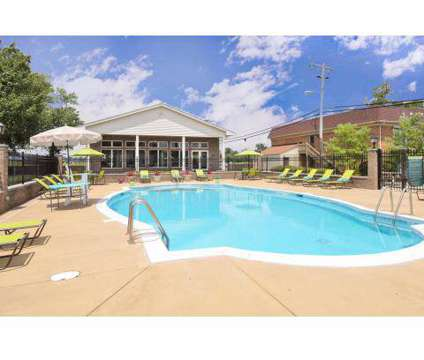Studio - Tanglewood at 500 Bermuda Ln in Louisville KY is a Apartment