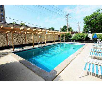 1 Bed - Ellsworth Apartments at 4405 West Pine Boulevard in Saint Louis MO is a Apartment