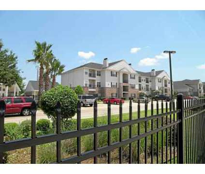 2 Beds - Lexington Place at 1301 Williamsburg Dr in Bossier City LA is a Apartment