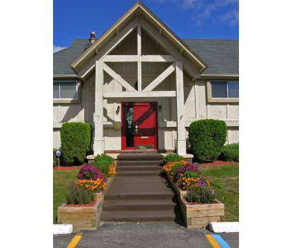 2 Beds - Woodbridge Manor at 517 E Edgewood in Lansing MI is a Apartment