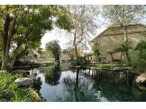 2 Beds - Lake Dianne
