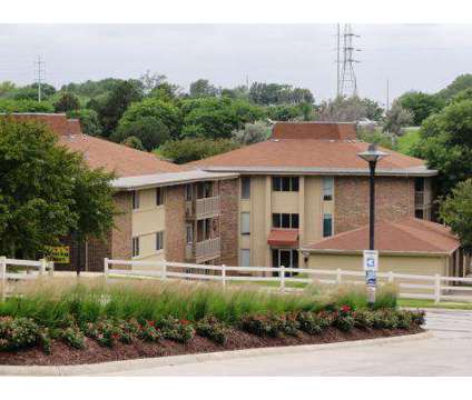 3 Beds - Grandridge at 5439 North 100 Plaza in Omaha NE is a Apartment