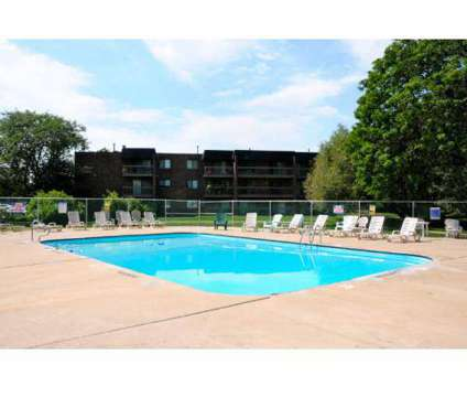 1 Bed - Willow Lake Apartments at 21w547 North Ave in Lombard IL is a Apartment