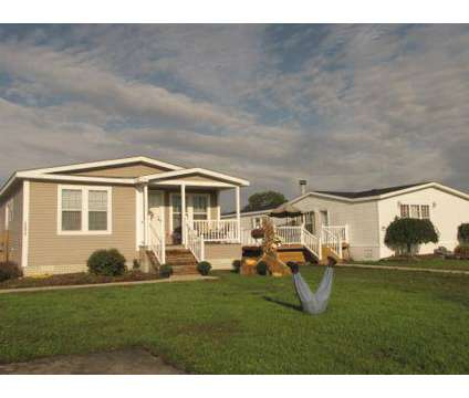 3 Beds - Country Meadows at 3211 Will Carleton Road in Flat Rock MI is a Apartment