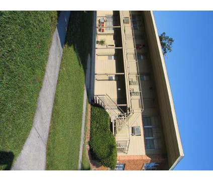 Studio - Eagle Pointe at 3131 University Boulevard North in Jacksonville FL is a Apartment