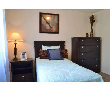 1 Bed - Falcon Glen at 4225 East University Drive in Mesa AZ is a Apartment