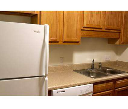 4 Beds - Sturbridge Square Apartments at 1001 University City Blvd in Blacksburg VA is a Apartment