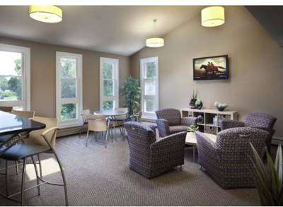 2 Beds - Faxon Commons