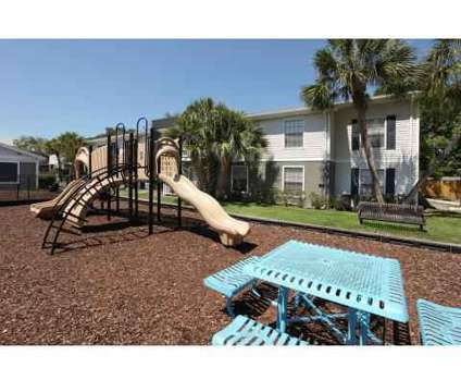 3 Beds - Dwell at Bay Crossing at 600 Starkey Road in Largo FL is a Apartment