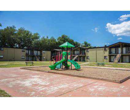 3 Beds - Whispering Oaks at 4800 Atlantic Boulevard in Jacksonville FL is a Apartment