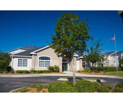 3 Beds - Windsong at 2580 Sw Windsong Cir in Lake City FL is a Apartment
