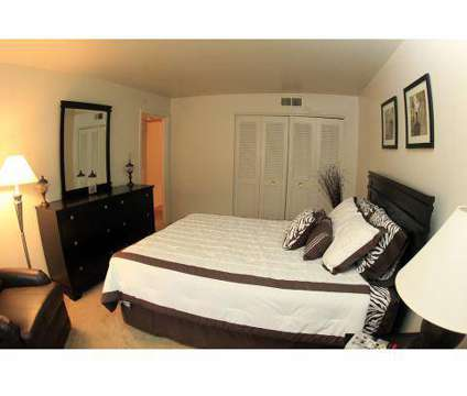 Studio - Hyland Hills Apartments at 275 Oakville Dr in Pittsburgh PA is a Apartment
