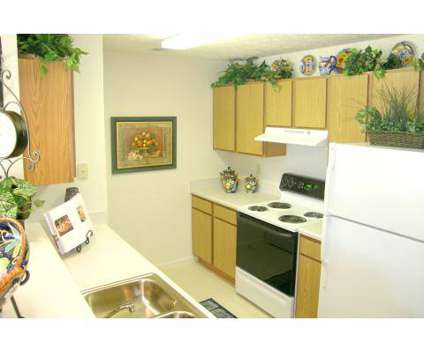 2 Beds - Ashland Lakes at 5587 Berryman Dr in Memphis TN is a Apartment