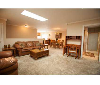2 Beds - Colonial Crest Apartments at 405 S Morrison Rd in Muncie IN is a Apartment