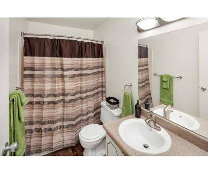 2 Beds - Forest Pointe Apartments at 2810 32nd St Se in Grand Rapids MI is a Apartment